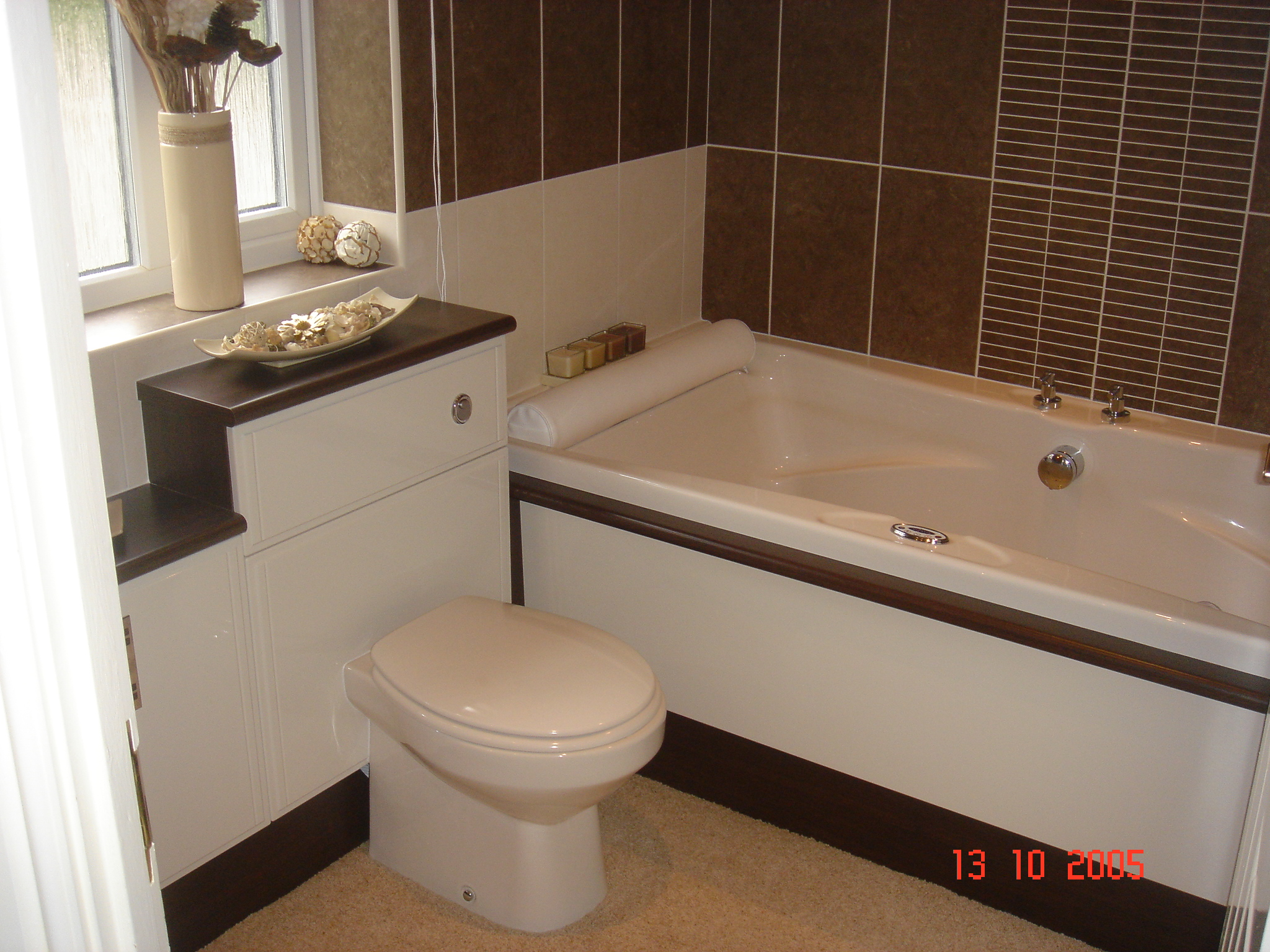 Bathroom 005.jpg